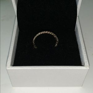 Gold twist midi ring BUY ONE GET ONE 50% OFF RINGS